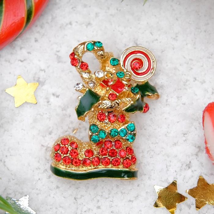 """Брошь новогодняя """"Рождественская сказка"""" сапожок со сладостями, цвет красно-зеленый в чернёном золоте"""