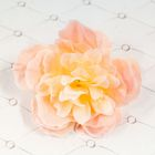 Розово-кремовый цветок для декора