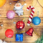 "Набор украшений пластик 15 шт ""Карнавал"" (8 шаров,2 палочки,ДедМор,2 колок,2 подарка)"