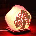 """Соляной светильник """"Домик из дерева"""", деревянный декор, цветной, красный, цельный кристалл"""