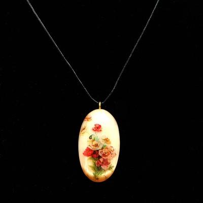 "Pendant ""Flowers"", Selenite"