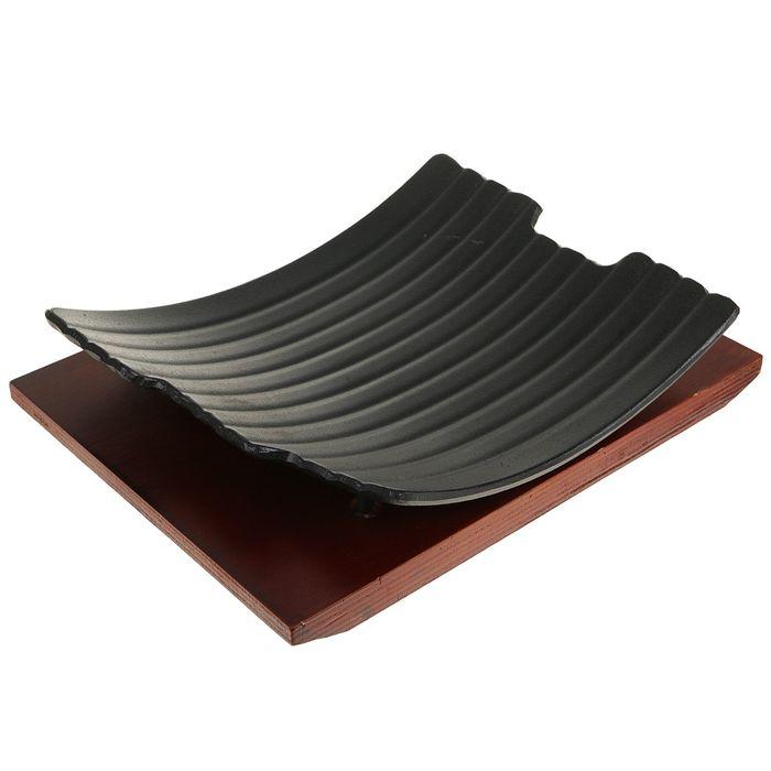"""Сковорода на деревянной подставке """"Архельо"""" 27,5х22,5 см"""