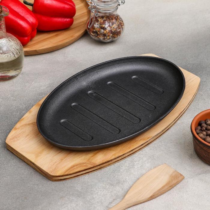 """Сковорода 26,3х17 см """"Овал. Гриль"""", на деревянной подставке"""