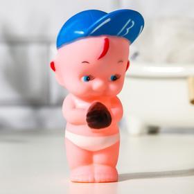 Игрушка для ванны «Мальчик в кепке»