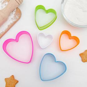 """A set of forms for cookies """"Heart"""", 5 PCs, MIX color"""