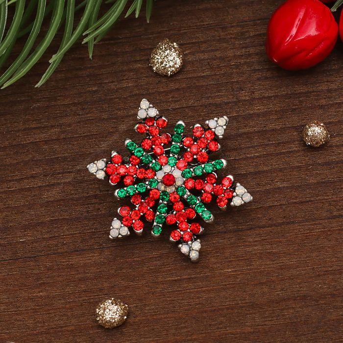 """Брошь """"Новогодняя сказка"""" снежинка новогодняя, цвет красно-бело-зеленый в серебре"""