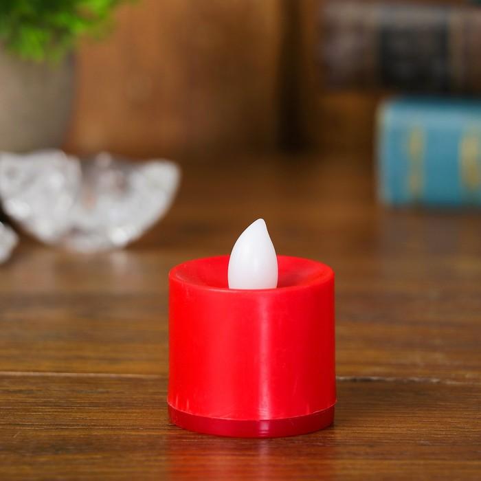 Свеча светодиодная с переливом света, цвет красный