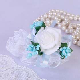 Flower in hand,the bridesmaids elastic,blue