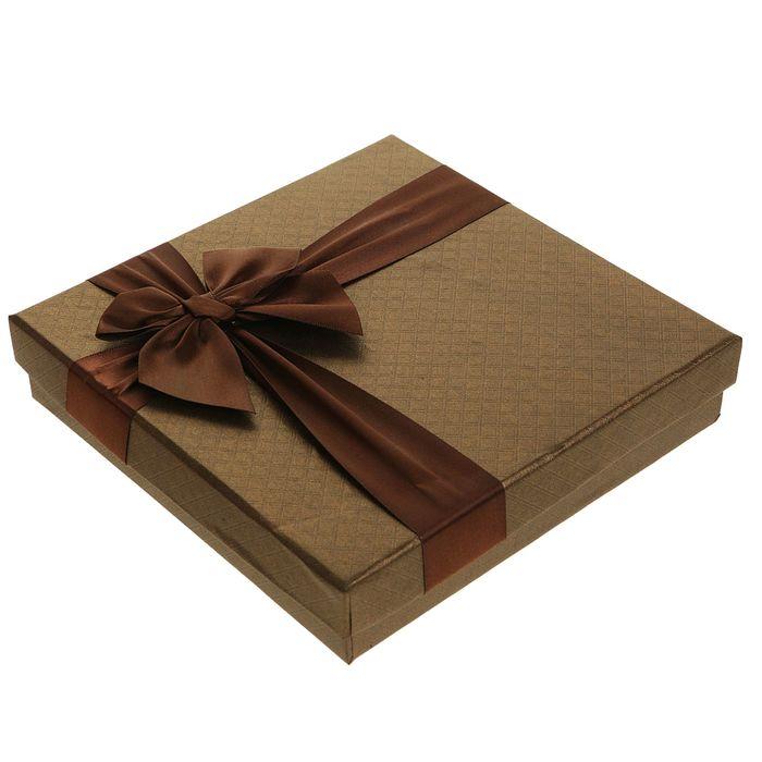 Коробка подарочная для конфет, коричневый, 18,5 х 18,5 х 4 см