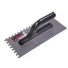 Гладилка TUNDRA basic, стальная, пластиковая рукоятка, зуб 8 х 8 мм, 130 х 270 мм