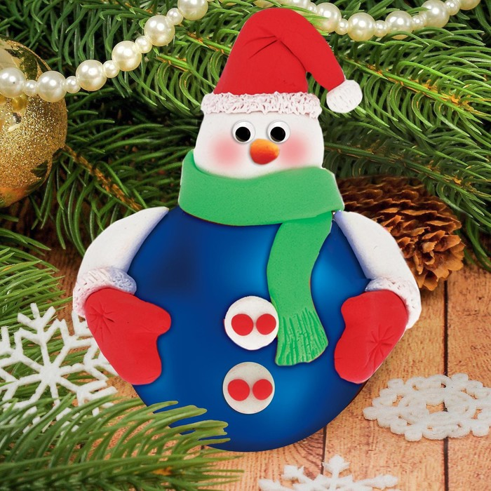 "Новогодний ёлочный шар с массой для лепки ""Снеговик"" - фото 98756"