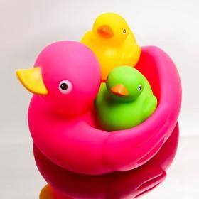 "Bath set ""Ducks quack"": soap dish, toys, 2 PCs."