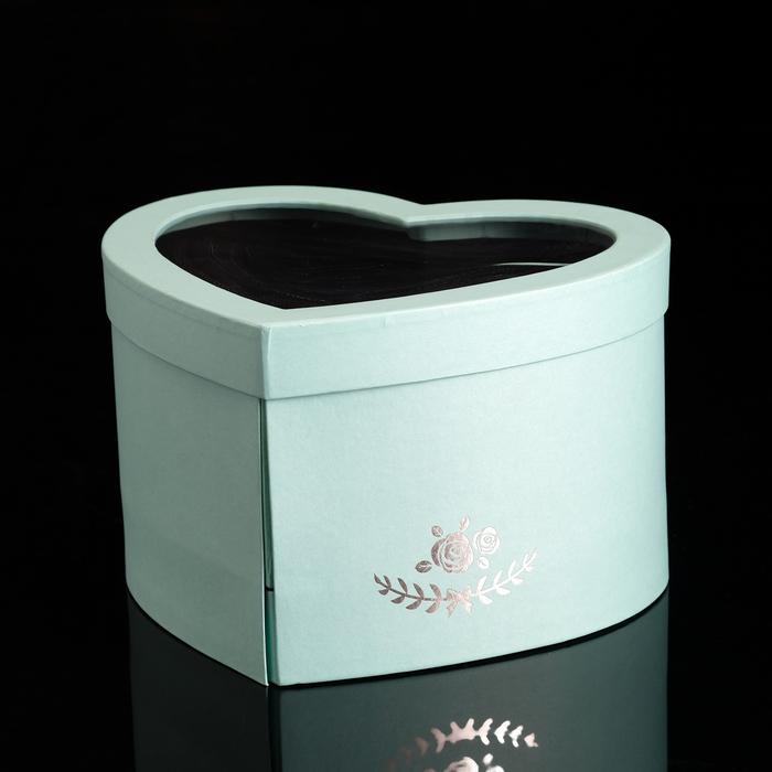 "Коробка ""Сердце"" с окном, голубой, 25 х 22 х 15 см"