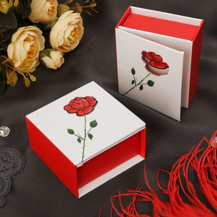 """Коробочка подарочная под кольцо """"Роза с шипами"""" 6,5*6,5*3, цвет бело-красный"""