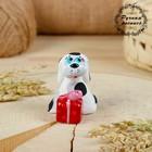 Сувенир ковровская глиняная игрушка «Собачка с подарком»