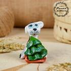 Сувенир ковровская глиняная игрушка «Собачка с санками и ёлкой»