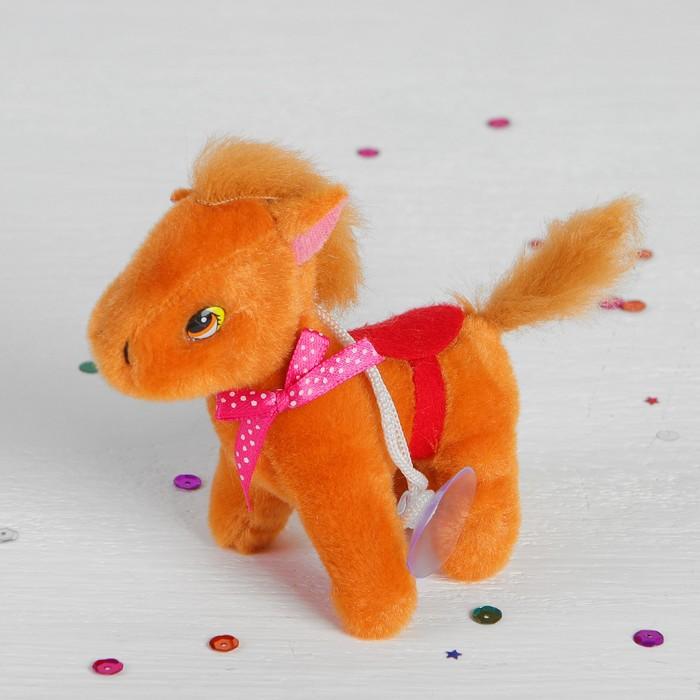 Мягкая игрушка-присоска «Лошадь с попоной», бантик на шее, цвета МИКС