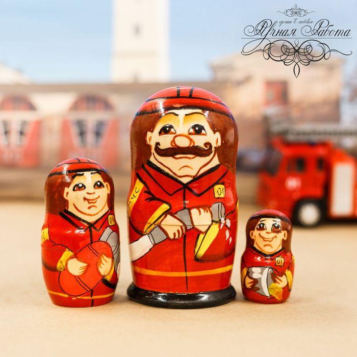 """Матрёшка 3 кукольная """"Пожарный"""""""