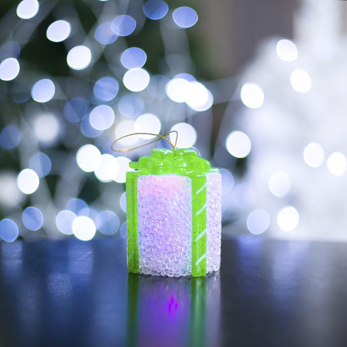 "Игрушка световая ""Подарок"" (батарейки в комплекте) 7 х 8,5 см, 1 LED, RGB, БЕЛЫЙ - фото 686304073"