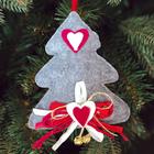 """Новогодняя ёлочная игрушка, Набор для создания подвески из фетра """"Елочка с бубенчиками"""""""