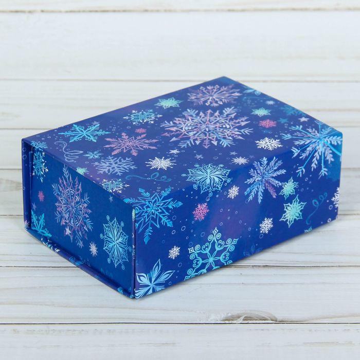 Подарочная коробка‒трансформер «Снежинки», 17 х 13 х 7 см