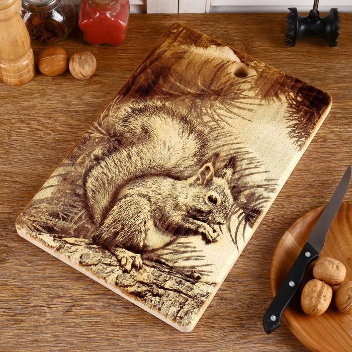 Доска из массива кедра «Белка с орешками», большая, прямоугольная, 23 × 35 см - фото 1747932