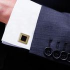 Запонки квадрат с эмалью, с точечной окантовкой, цвет чёрный в золоте