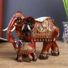 """Сувенир полистоун """"Слон со слонёнком под красное дерево в золотых попонах"""" 17,5х18х9 см"""