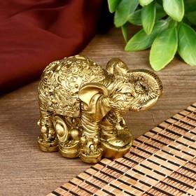 """Нэцкэ полистоун """"Слон на монетах"""" бронза 6,7х8,2х4,6 см"""