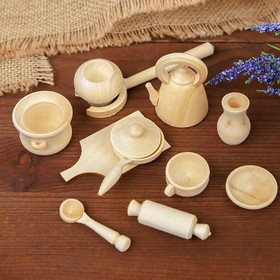 A set of dishes for dolls, 11 items.