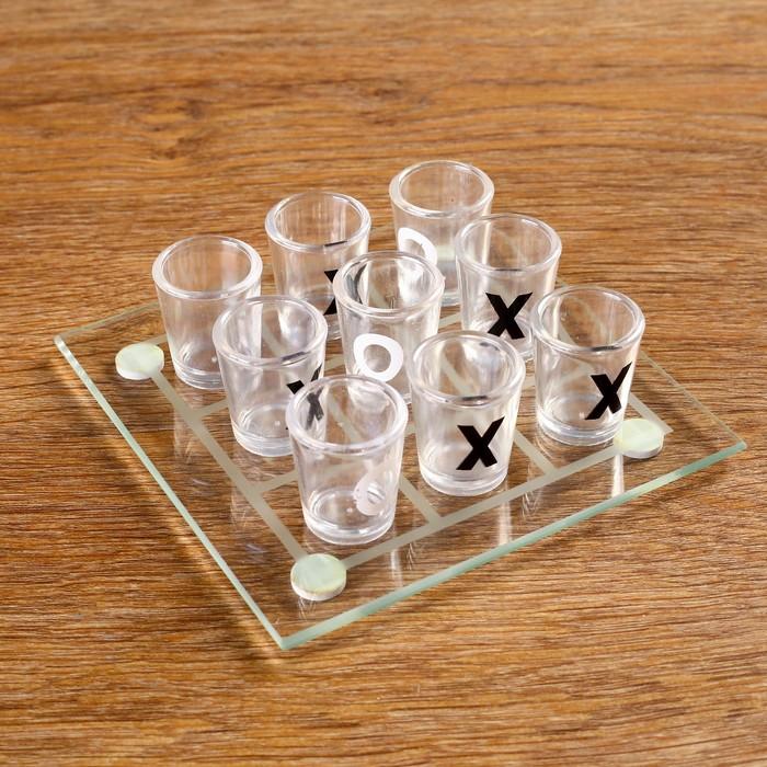 """Пьяная игра """"Крестики-нолики"""": 9 рюмок, доска 13 × 13 см, прозрачная"""