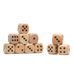 Dice 2.5x2.5 cm wood, black points, packing 100 PCs