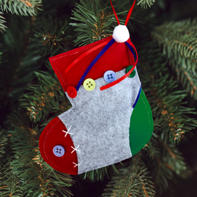 Ёлочная игрушка из фетра «Носочек под подарки»