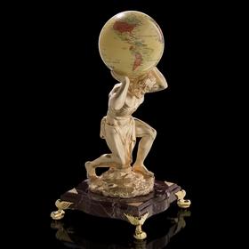 Статуэтка Titan с синергетическим глобусом