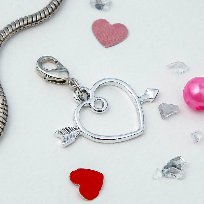 "Шармик ""Сердце со стрелой"", цвет серебро"