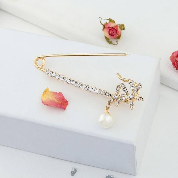 """Булавка """"Цветочки с жемчужиной"""", 7 см, цвет белый в золоте - фото 301710912"""