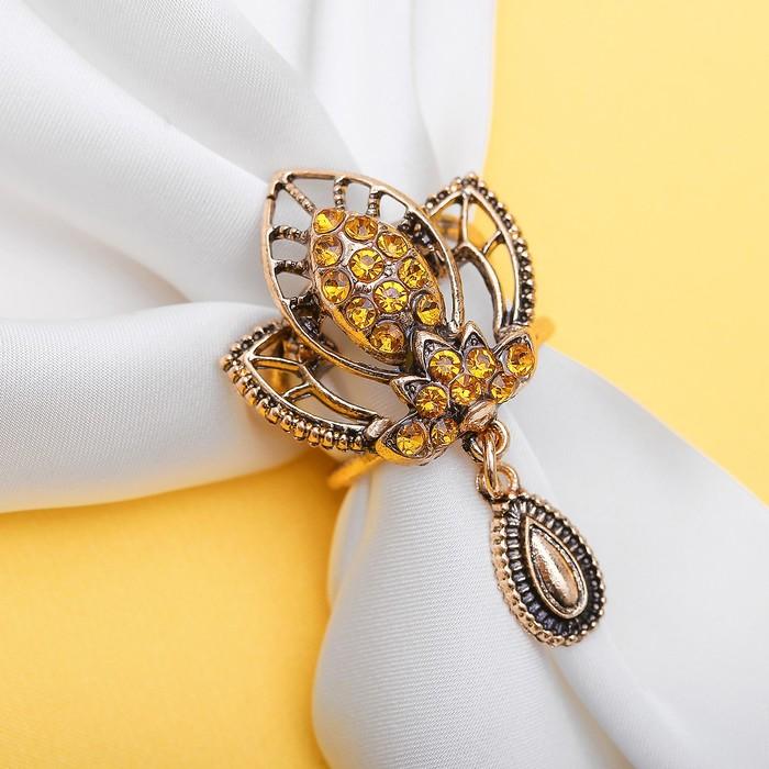 """Кольцо для платка """"Трилистник"""" с подвеской, цвет золотой в чернёном золоте"""