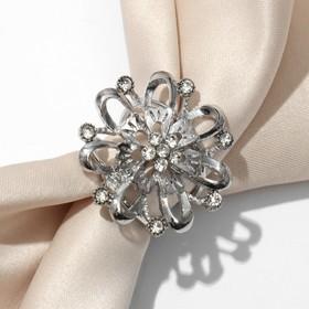 Кольцо для платка 'Цветок' объемный со стразами, цвет белый в серебре Ош