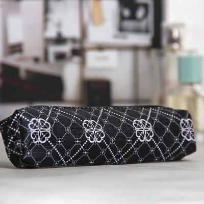 Косметичка-пенал, отдел на молнии, цвет чёрный