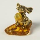 Сувенир «Мышонок с подарком», натуральный янтарь