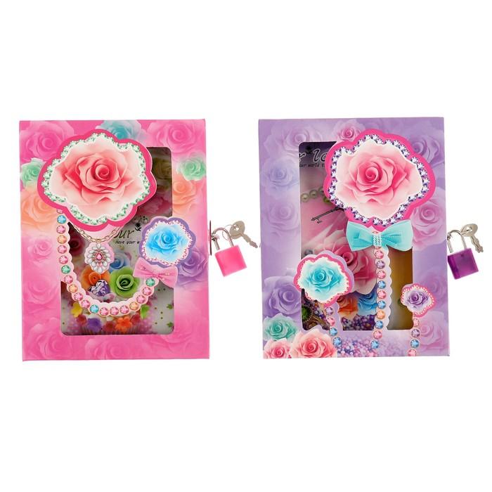 Записная книжка в подарочной коробке А6 80л лин на замке Цветы МИКС