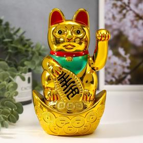 """Сувенир """"Кот Манэки-нэко на слитке"""", цвет золото"""