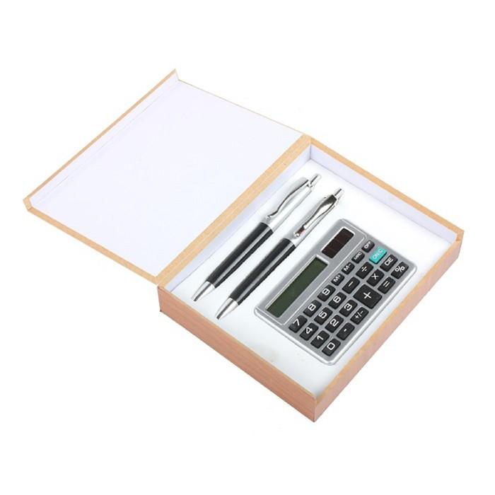 Подарочный набор, 3 предмета в коробке: 2 ручки, калькулятор