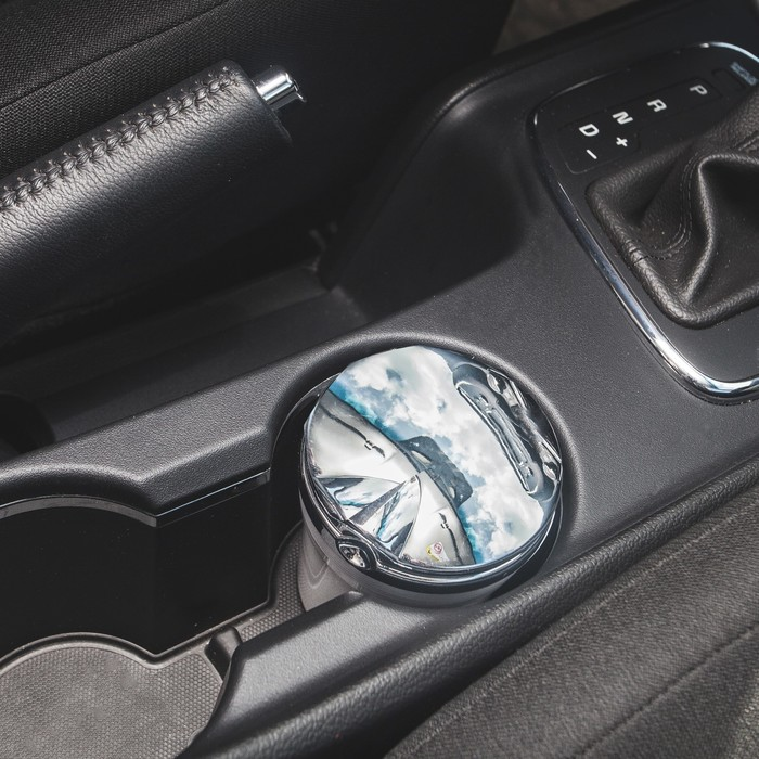 "Пепельница для авто с крышкой ""Type r"" белая, подсветка, 7,5х9 см"