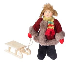 Новогодняя кукла 'Мальчик в зимнем костюме с санками' 28 см (А2-16)  МИКС Ош