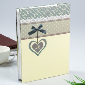 "Photo album for 100 photos 10x15 cm in gift box ""Heart with bow"", a MIX"
