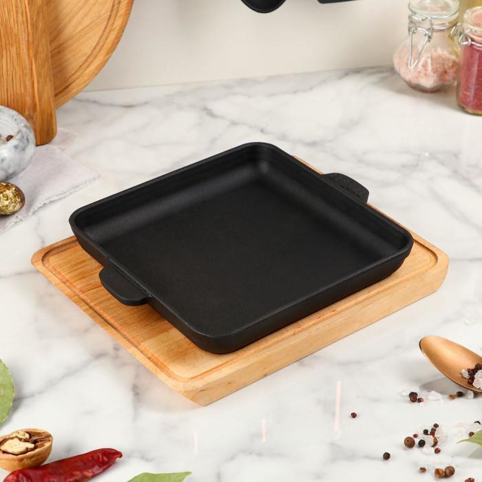 """Сковорода чугунная """"Хорека"""", квадратная, порционная, с дощечкой, BRIZOLL, 18 х 18 х 2,5 см"""
