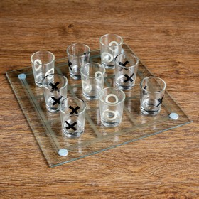 """Drunk game of """"noughts and Crosses"""": 9 stacks, Board of 20×20 cm"""