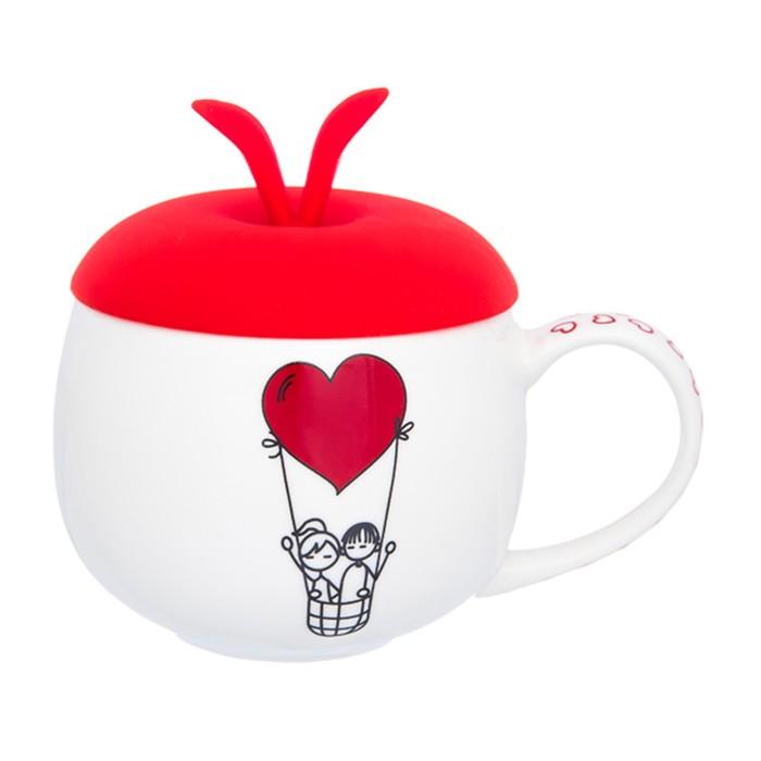 Кружка «Полет влюбленных», с красной силиконовой крышкой, объём 330 мл