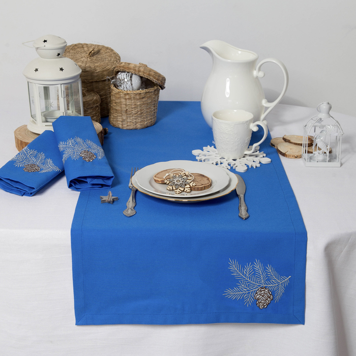 """Дорожка на стол """"Этель"""" Ветка ели, 140х40 цвет синий, с ВМГО хл, 200 гр/м²"""
